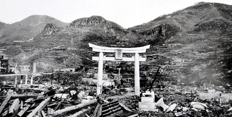 Nagasaki shrine atoomboom verwoesting