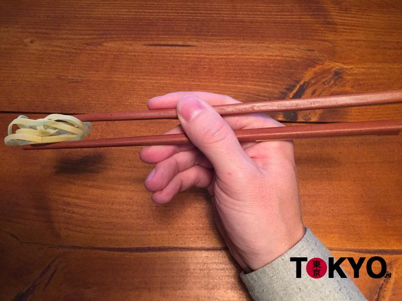 Hoe eten met stokjes part 4
