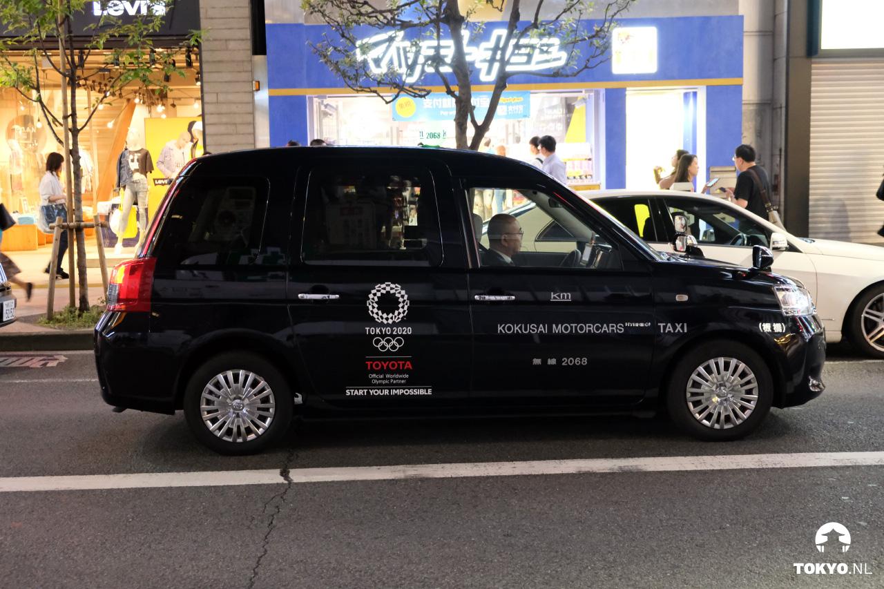 Taxi's met logo's Olympische Spelen Tokyo