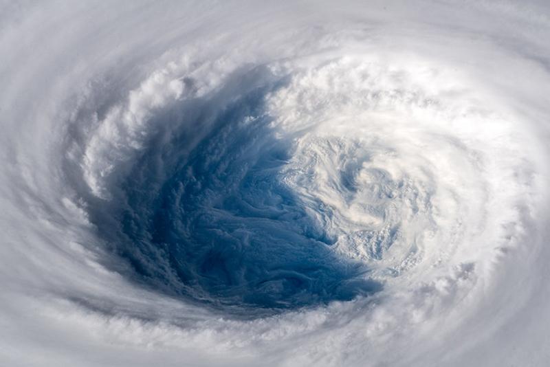 Tyfoon foto uit de lucht