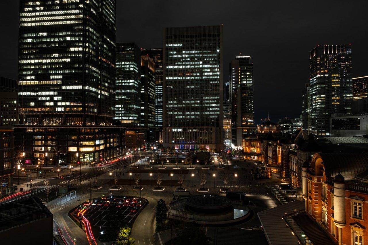 Het uitzicht vanuit modepaleis Kitte in Marunouchi, Tokyo