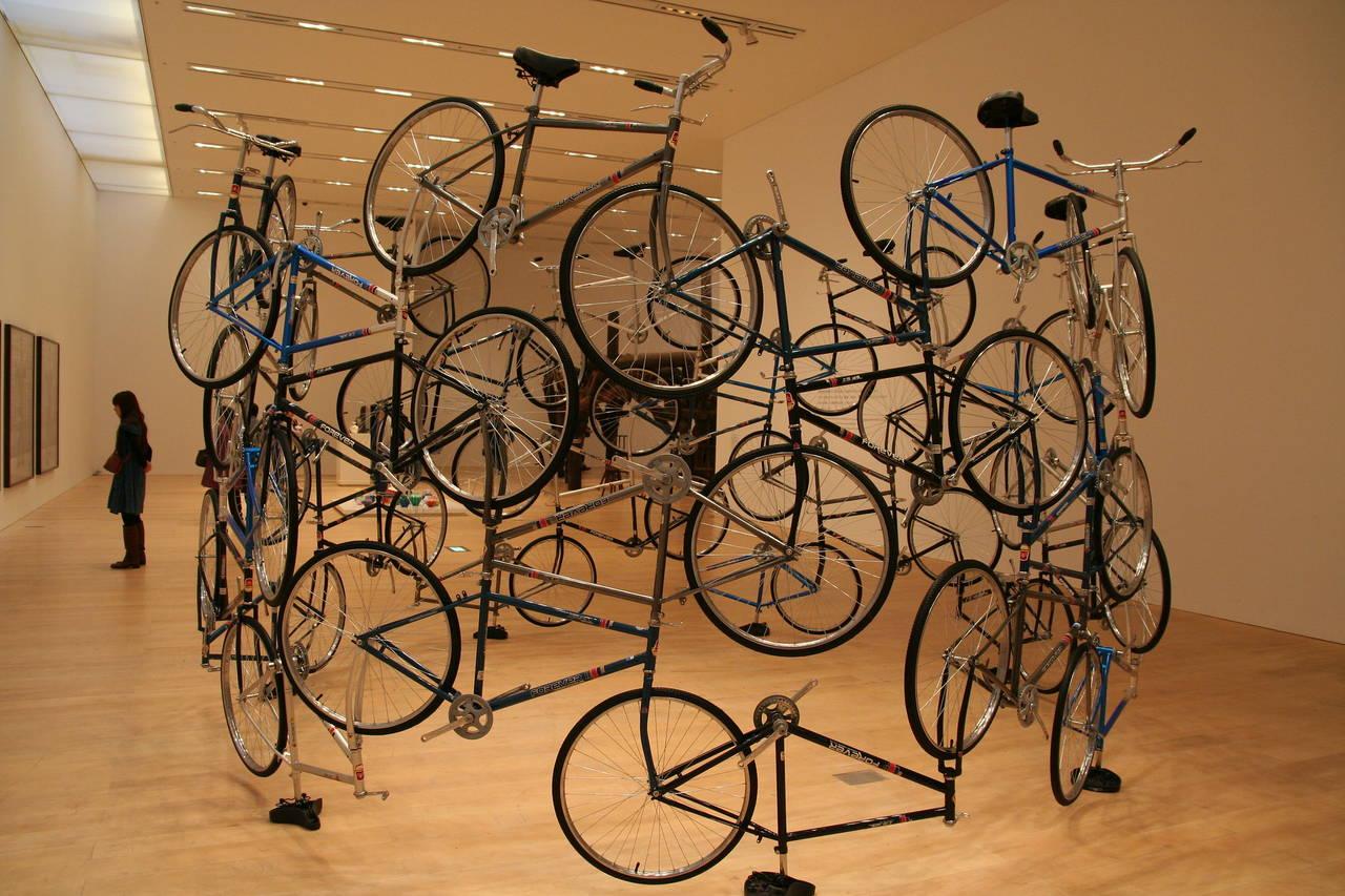 Een kunstwerk in het Mori Art Museum