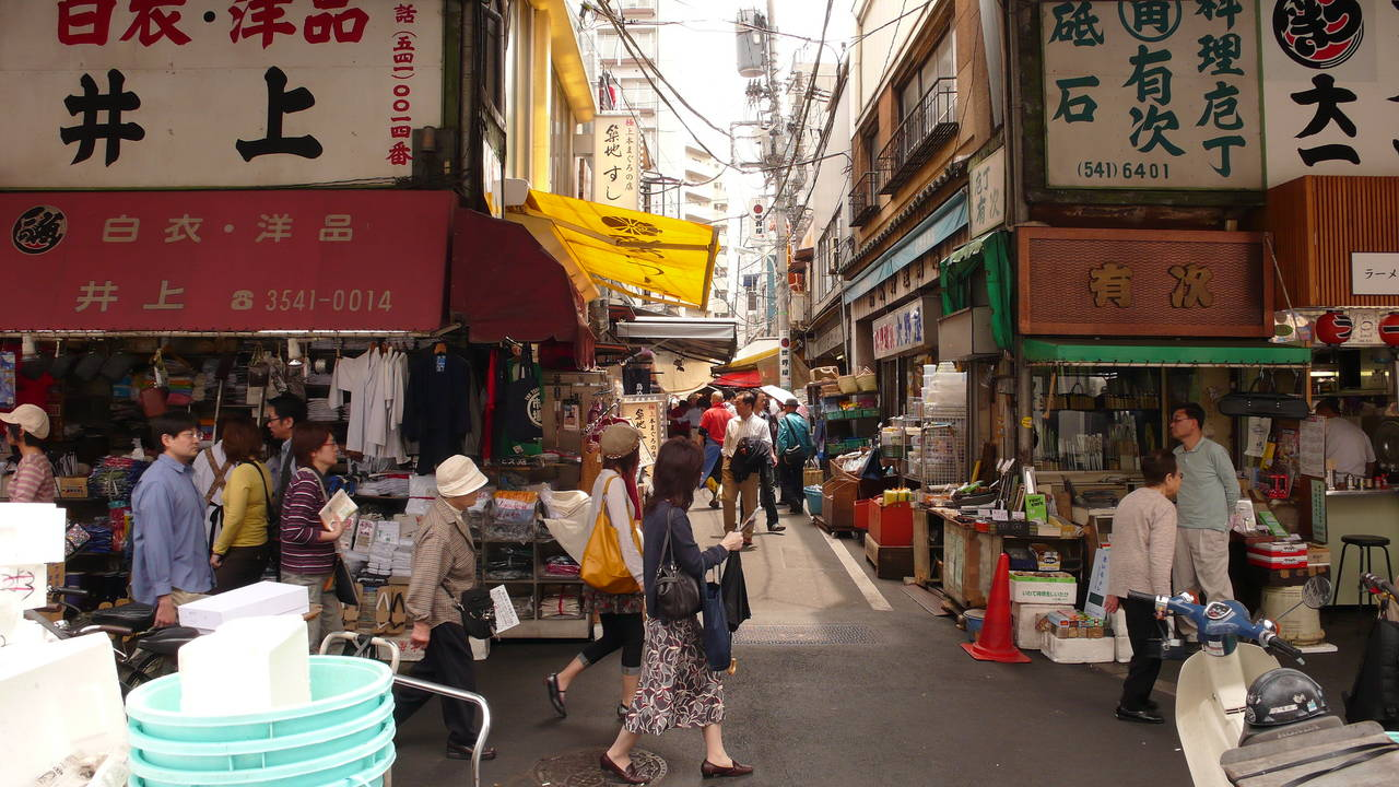 de buitenmarkt in de wijk tsukiji