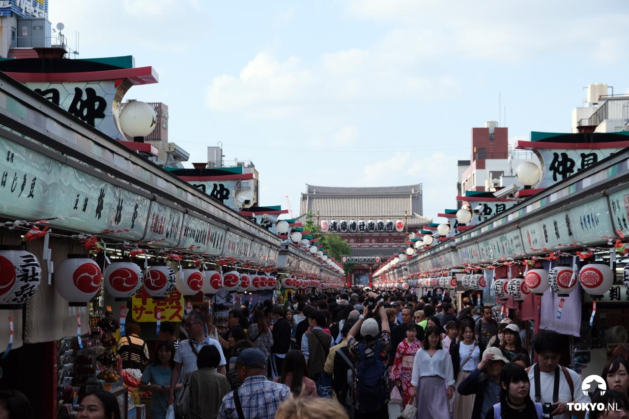 Nakamise Dori winkelstraat naar de Senso-ji