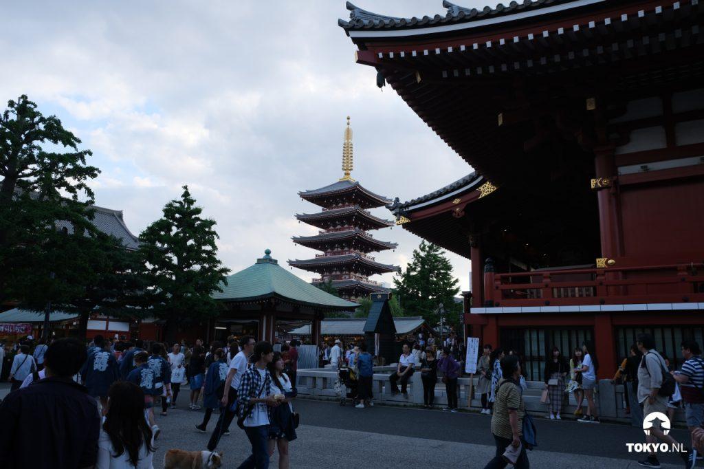 Senso-ji tempel met pagode