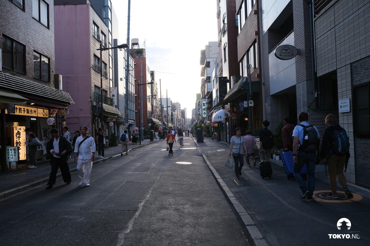 Autoloze straten in Azakusa