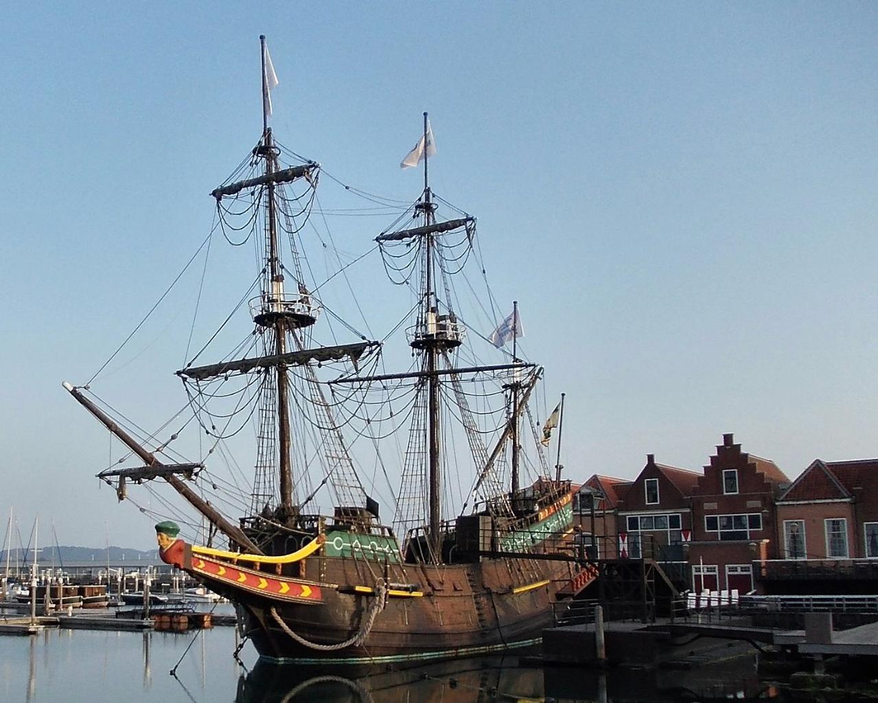 VOC Galjoen de Liefde (replica)