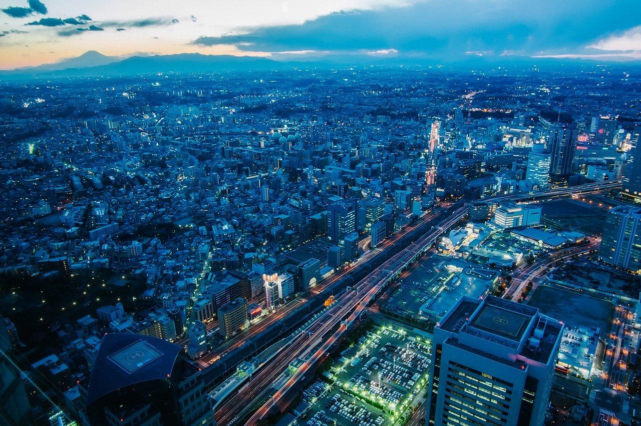 Yokohama skyline in de avond