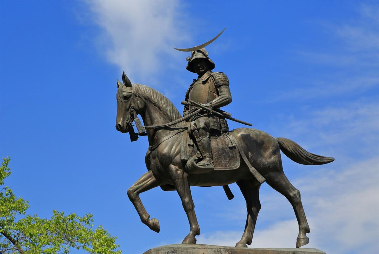 Sendai / standbeeld Masamune Date